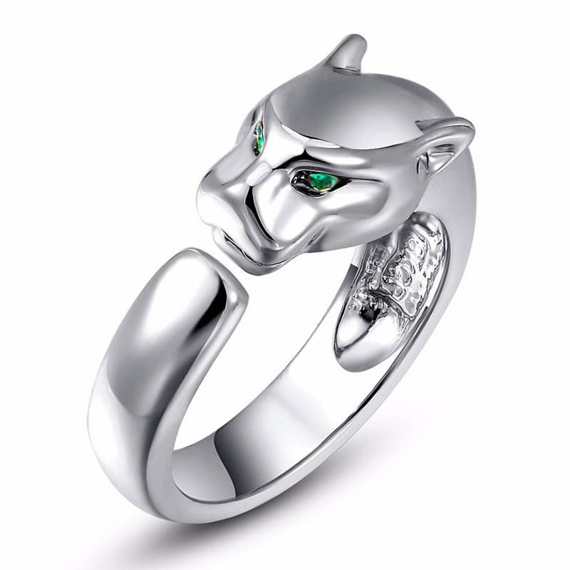 Green Crystal Eyes Leopard Ring White Gold